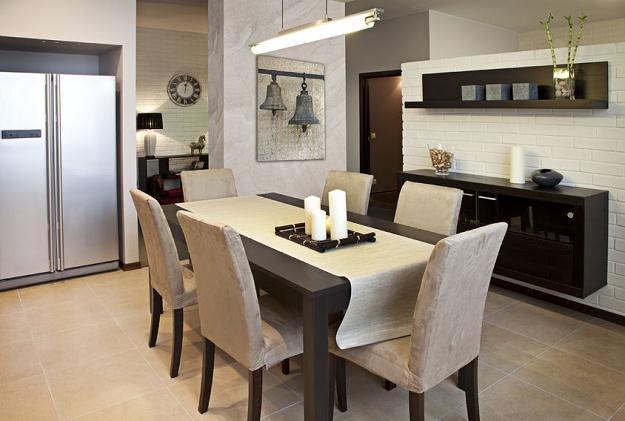 Krzesła i stół sercem domu